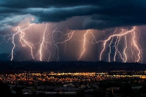 How 'straight' lightning could prove the existence of dark matter: report