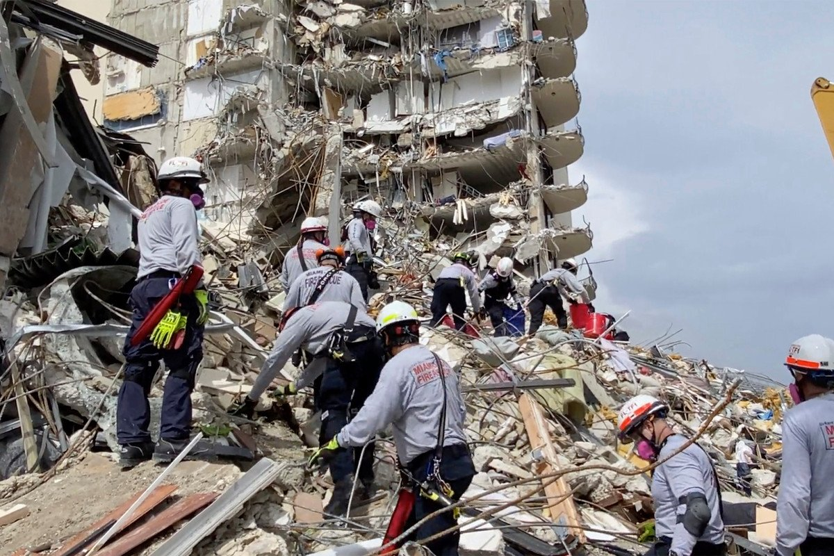 First suit filed over deadly condo tower collapse in Florida