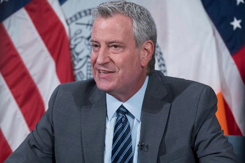 Times Square workers blast de Blasio after shooting comments