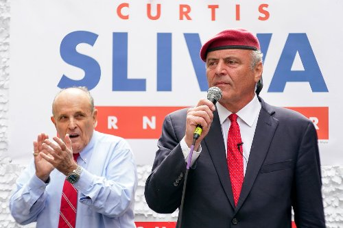 Curtis Sliwa cruises to easy win over Mateo in Republican primary for NYC mayor