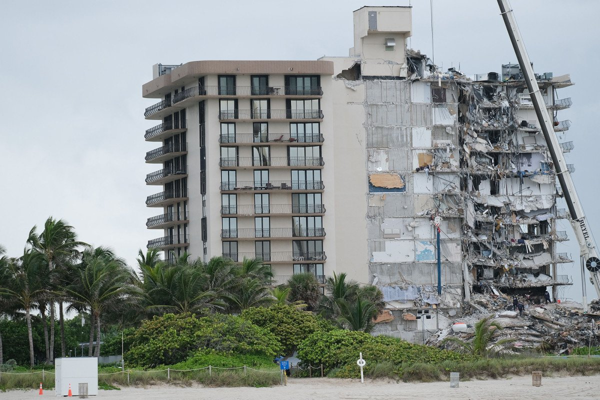 Florida building collapse reportedly started from the bottom of the building