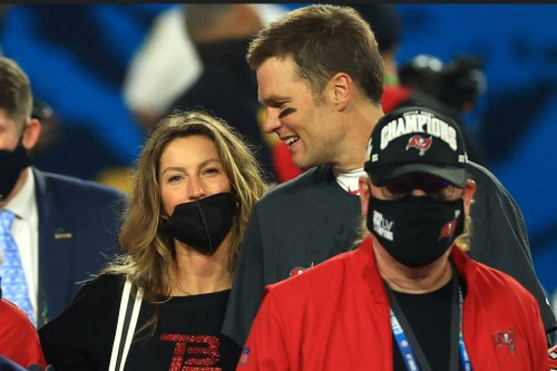 Tom Brady says he can play until 50 then realizes he has a Gisele Bundchen problem