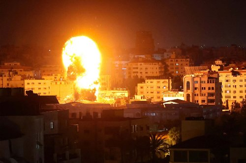 Israel launches new round of heavy airstrikes on Gaza City