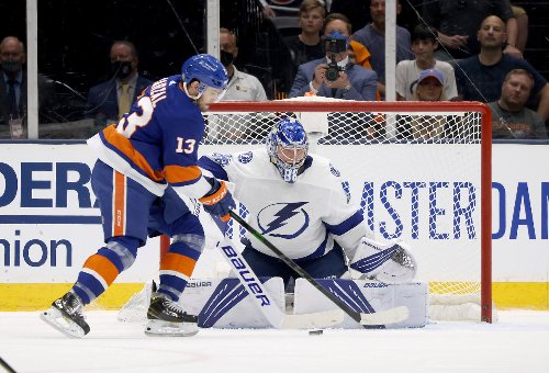 Islanders fall behind Lightning with Game 3 loss