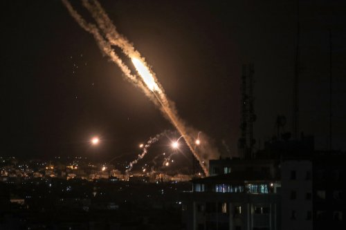 Hamas steps up rocket attacks on Israel as Gaza conflict intensifies