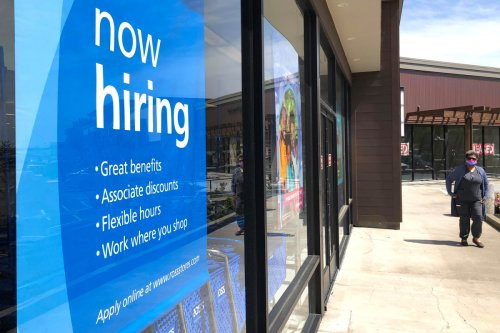 Workers file 576,000 jobless claims as US hits new COVID-19 pandemic low
