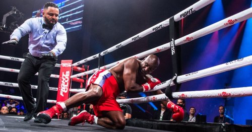 Trump Talked as Holyfield Got Pummeled. Just Another Day in Boxing's Absurd Summer.