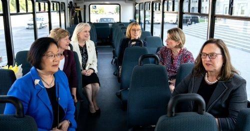 Harris to Host Dinner for Female Senators