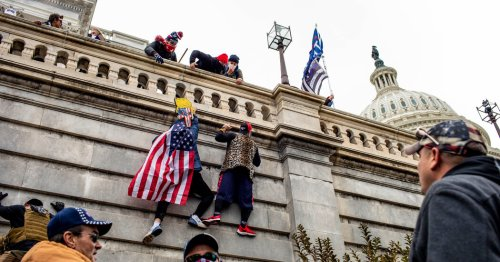 Police Told to Hold Back on Capitol Riot Response, Report Finds