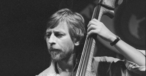 George Mraz, Consummate Jazz Bassist, Dies at 77