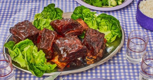 Authentically American Red-Cooked Short Ribs, by Way of Taiwan