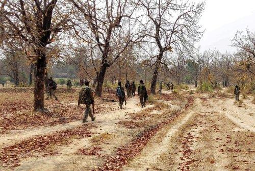 India: Naxalites maoist insurgents kill 23 Indian forces in an ambush » Wars in the World
