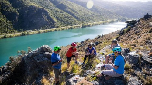 GO NZ: Lake Dunstan cycle trail, the best one-day cycle ride in New Zealand - NZ Herald