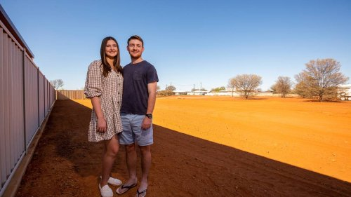 Australian town of Quilpie overwhelmed by response to free land offer - NZ Herald