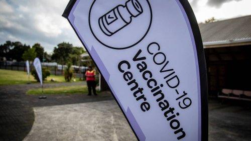 Covid 19 coronavirus: New Zealand's vaccine rollout a 'shambles', rest home boss says - NZ Herald