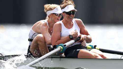 Tokyo Olympics 2020: Rowers Kerri Gowler and Grace Prendergast claim NZ' first gold medal with stunning blitz - NZ Herald