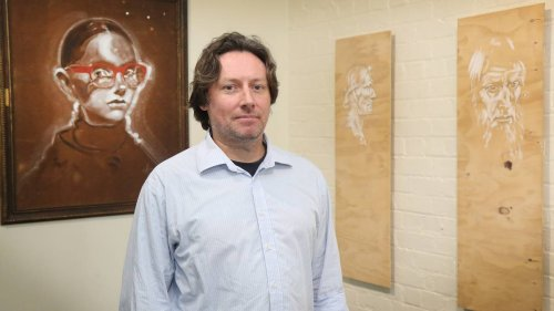Globetrotting artist returns home to Whanganui - NZ Herald
