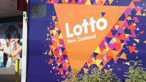 Lotto Powerball: Lotto NZ 'sorry' as thousands of Kiwis can't buy, check tickets online - NZ Herald