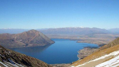 Person dies after plane crash near Twizel - NZ Herald