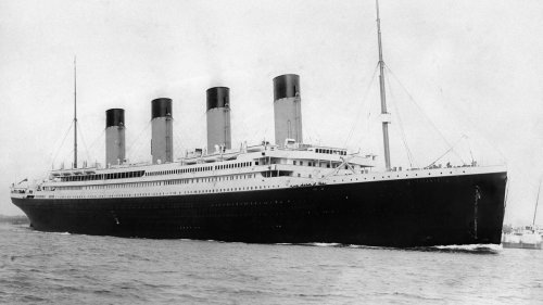 Titanic disaster: 'Greenish beams' seen by survivors spark new theory - NZ Herald