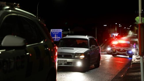Police pursuit: Teens in custody after another Auckland police chase overnight - NZ Herald