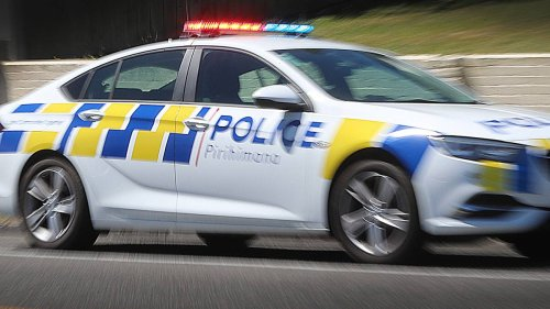 Security guard held up at gunpoint in Manurewa aggravated robbery - NZ Herald