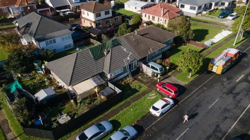 Tornado in Auckland: 'Rapid storm' in Papatoetoe tears down trees, damages homes - NZ Herald