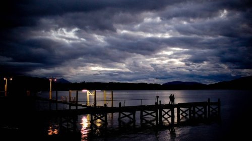 Daylight savings: Fiordland tourist town Te Anau decides to stay in 'summer time' forever - NZ Herald