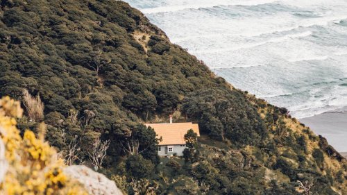 Where do Kiwis want to summer? Airbnb shares top 15 spots - NZ Herald