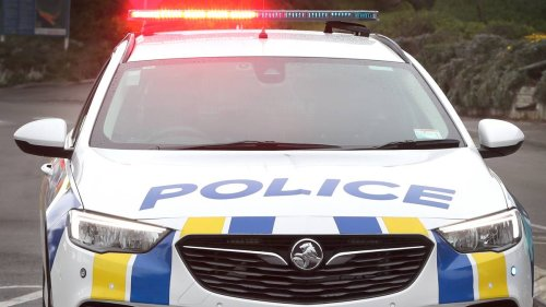 Covid 19 Delta outbreak: Investigation ongoing into Auckland police inspector at centre of alleged border 'favour' breach - NZ Herald