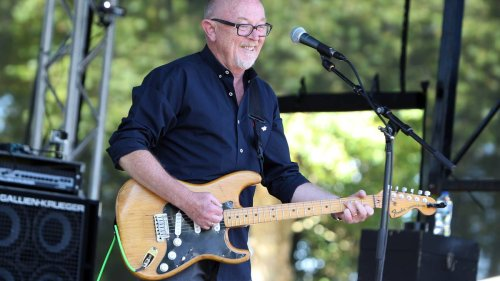 Covid-19 Delta outbreak: Sir Dave Dobbyn reveals vaccination views after Twitter controversy - NZ Herald