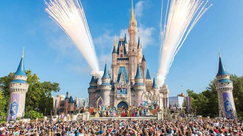 Couple slammed for wearing 'inappropriate' T-shirts at Disney World - NZ Herald