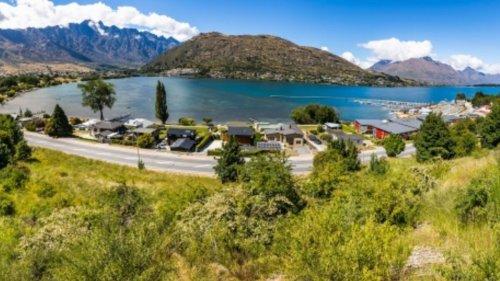 Rare piece of Queenstown real estate on market - NZ Herald