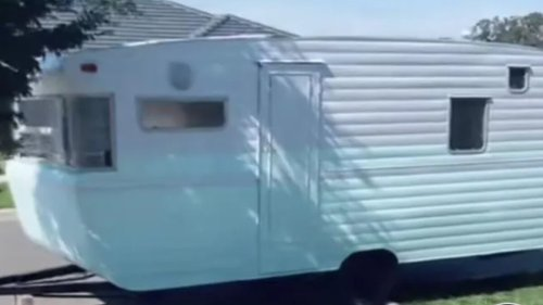Mystery Machine: Retro caravan's colour sparks fierce debate - NZ Herald
