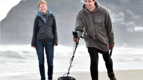 Dunedin metal detectorist searches beaches for possible engagement ring - NZ Herald