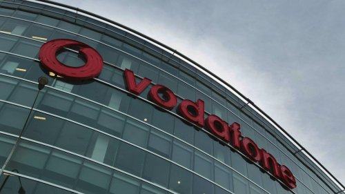 Covid 19 coronavirus: Vodafone data outage slows vaccine jabs at centres - NZ Herald