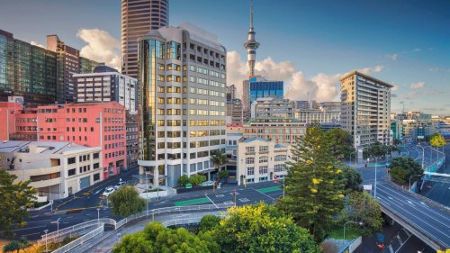 'Ghost houses' increasing - why are 40,000 homes lying vacant in Auckland? - NZ Herald