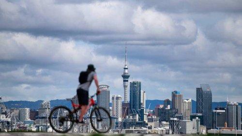 Covid 19 coronavirus Delta outbreak: Michael Plank warns New Zealand on a 'knife edge' - NZ Herald