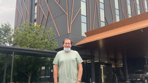 Covid 19 coronavirus: Auckland man's business trip from hell stuck in Sydney - NZ Herald