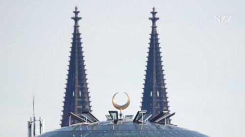 Muezzin-Rufe in Köln: Die Selbstverleugnung im Namen der Toleranz nimmt groteske Züge an