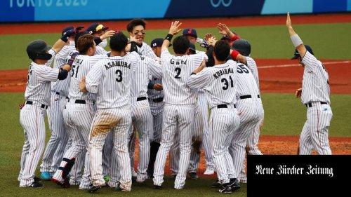 Japans Baseballteam spielt in Fukushima, um den Sieg über die Katastrophe zu symbolisieren. Eine schöne Geschichte. Aber ist sie auch wahr?