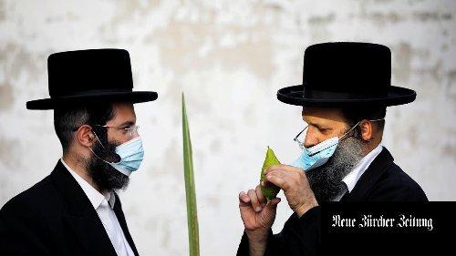 Coronavirus weltweit: New York hebt Ausnahmezustand auf, Israel verschiebt Einreiseerlaubnis für geimpfte Touristen