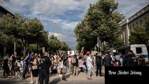 Am «Ostbahnhof Europas»: Berlin wird wieder zum Zentrum russischer Exilanten