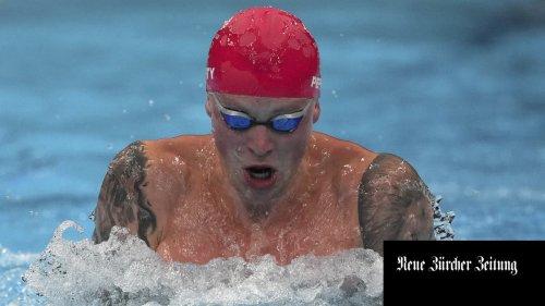 Adam Peaty ist ein Mann wie ein Superlativ - er verschiebt das Brustschwimmen in eine Dimension, in der es keine Gegner gibt