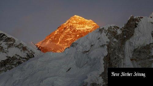 Ein Schweizer kollabiert auf dem Mount Everest und stirbt – auch ein Amerikaner erliegt Erschöpfung und Schneeblindheit
