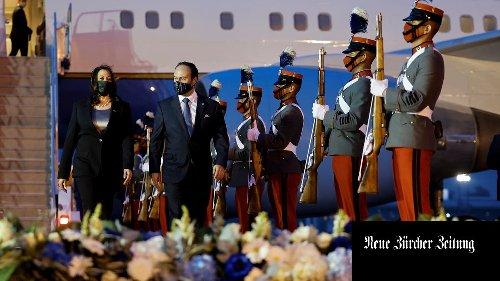 Kamala Harris tritt erstmals aus dem Schatten des Präsidenten