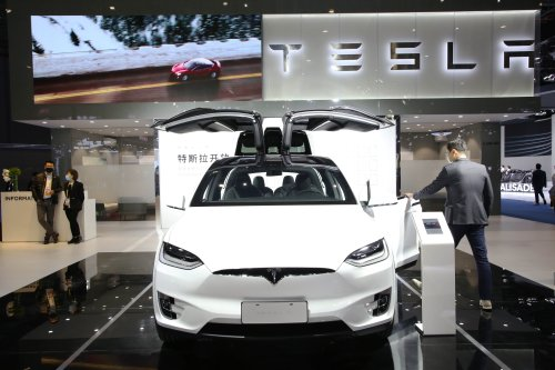 Tesla Stock Tumbles 25% In a Month As Competition Heats Up and Megabull Walks Away