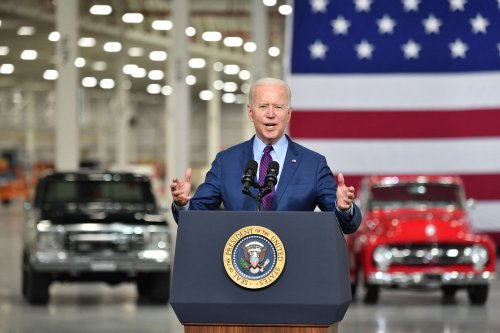 Biden Excludes Tesla in White House Event Unveiling Electric Vehicle Order
