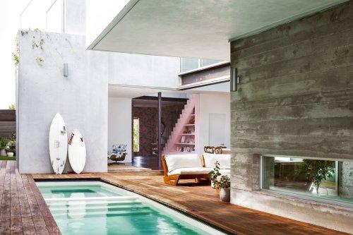 Interior Designer Daun Curry Warms Up Modern Venice Beach Home