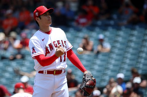 Angels come up short in weird, 13-inning game against Giants